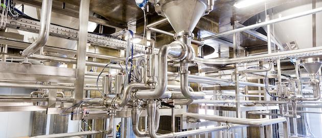 El proyecto de expansión de la capacidad de la compañía, en 40%, incluye añadir 6 tanques de fermentación, de 1.100 barrilles. Después de la fermentación, un sistema presurizado CO2 impulsa el producto afuera de los tanques y lo envía a las áreas correctas para su envasado. Foto cortesía de CRB.