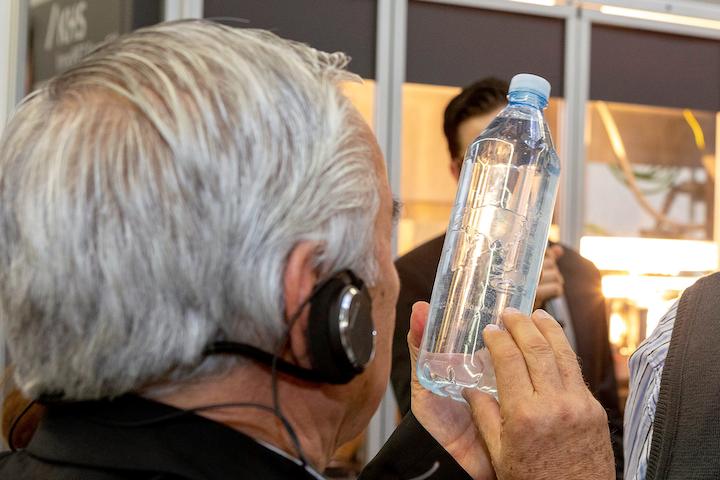 Muy positiva fue la respuesta de los invitados frente a InnoPET FormFill™, con el concepto LiquiForm ™, que moldea y llena recipientes de plástico en un solo paso.