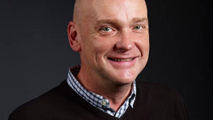 Howard Wright es director sénior de creatividad y estrategia, UKL & IE, para Equator Design.