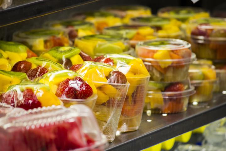 La amplia oferta de comidas preparadas que pueden adquirirse en los puntos de venta de las ciudades mexicanas incluye alimentos congelados y refrigerados.