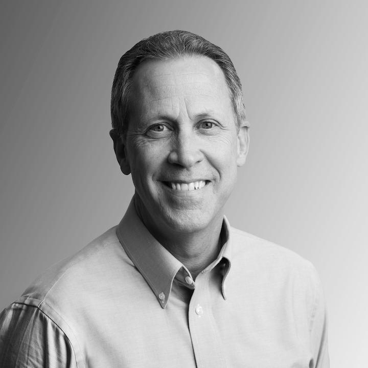 David Luttenberger es una de las más prominentes autoridades internacionales en innovación de envases y su experiencia de más de veinticinco años en la industria le brinda una visión amplia del futuro del empaque.