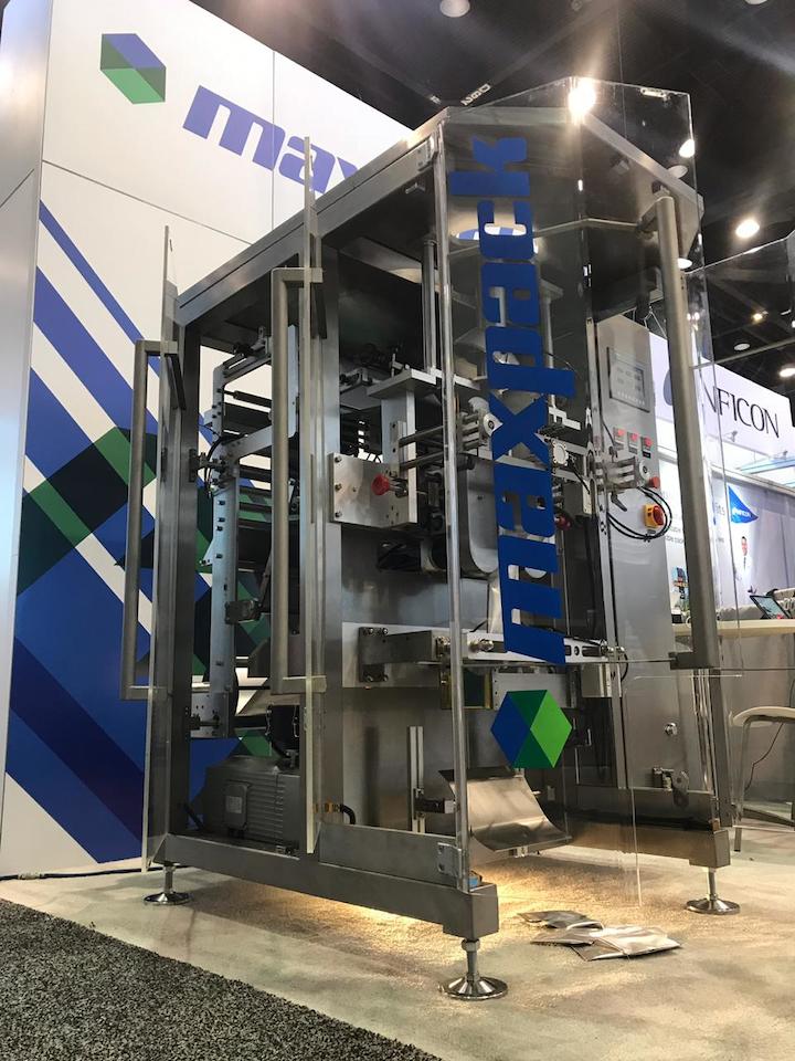 UCM Holdings, LLC - Maxpack exhibirá y demostrará en EXPO PACK Guadalajara 2019 la formadora, llenadora y selladora vertical MFT-540.