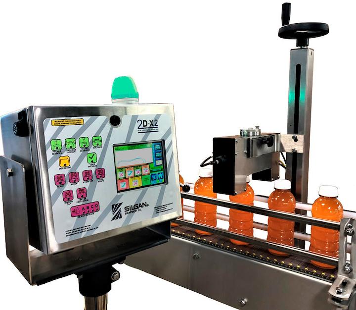 Los operadores acceden a los controles del sistema 2D-X2 a través de una HMI de pantalla táctil a todo color ubicada al lado de la línea.