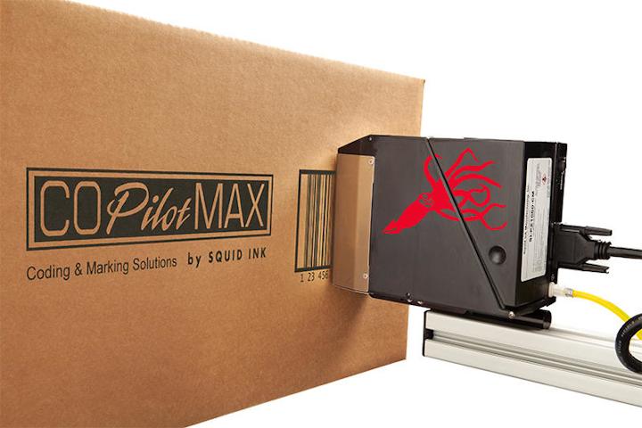 La impresora permite hasta 2.8 pulgadas de altura de impresión por cabezal y puede ejecutar hasta dos cabezales de impresión desde un sistema de control.