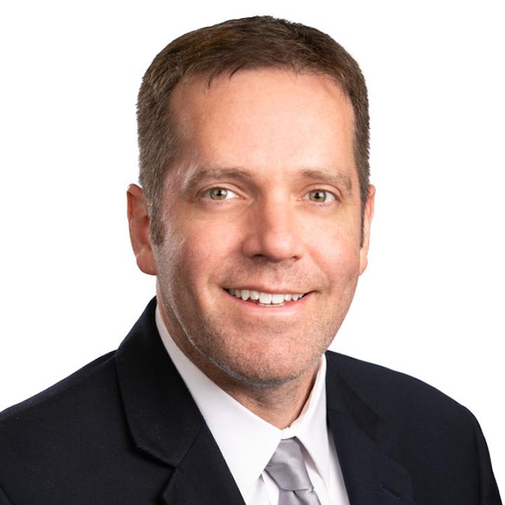 Christopher Walsh, presidente y cofundador de MJBizDaily, y una autoridad mundial en el campo del cannabis.