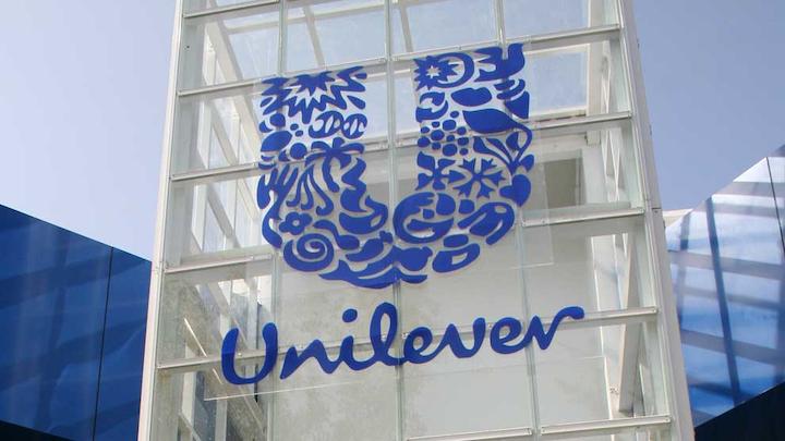 Unilever dice que es la primera gran fabricante de productos de consumo del mundo en comprometerse con una reducción absoluta de los plásticos a lo largo de todas sus marcas.