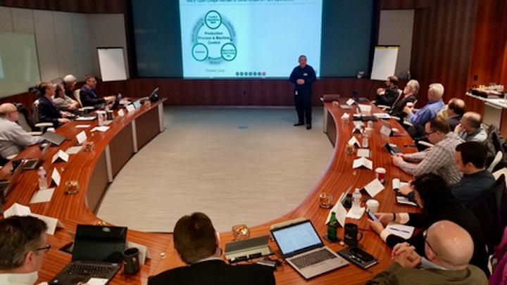 Peter Zornio de Emerson Automation Solutions prepara el escenario para las discusiones del día entre los fabricantes de bienes de consumo empacados y los fabricantes de equipo original sobre la transformación digital.