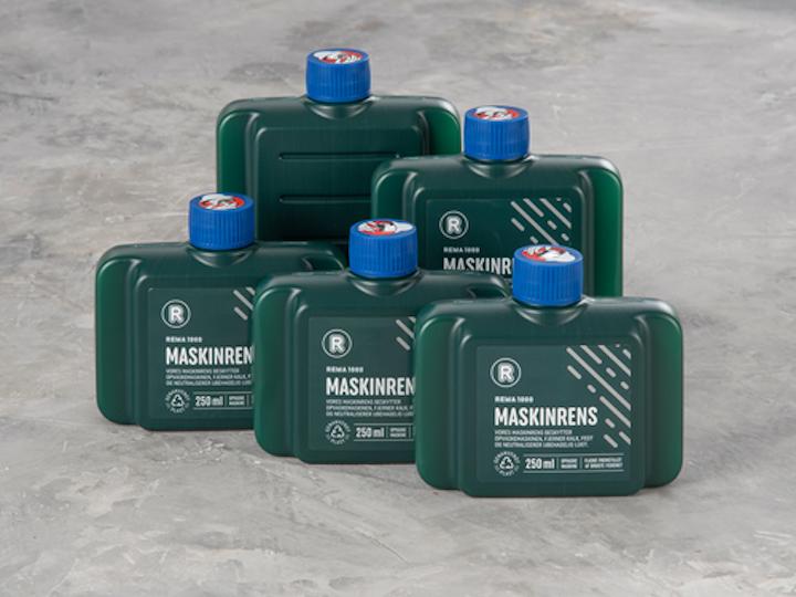 La botella de detergente para lavavajillas Rema 1000 Maskinrens se fabrica ahora a partir de redes de pesca recicladas de la cadena minorista danesa de descuento Rema 1000.