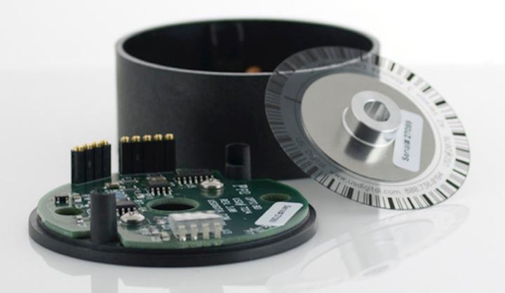 El codificador óptico absoluto A2K de US Digital se puede montar en conjuntos de cojinetes y ejes existentes. El codificador informa el ángulo del eje dentro de una sola rotación de 360 ° de un eje.