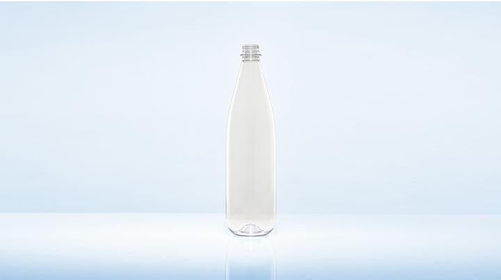 Con 55 gramos, la botella de 1,0 litros es en promedio diez gramos más liviana que sus versiones homólogas corrientes.