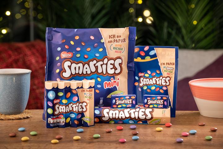 Entre los nuevos formatos se encuentran un tubo de papel hexagonal para Smarties Giant Tube, un multiempaque que consta de tubos de papel unidos con una etiqueta, una bolsa de papel para pequeñas cajas de mini Smarties y una bolsa parable.